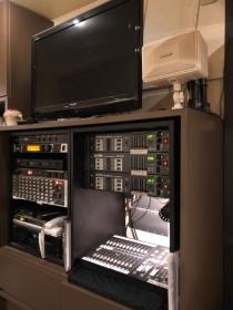 照明はカウンター内の機器で操作